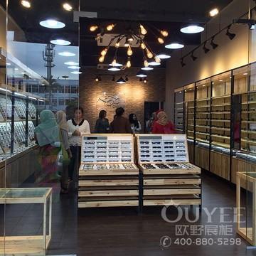 台湾60平方眼镜店铺