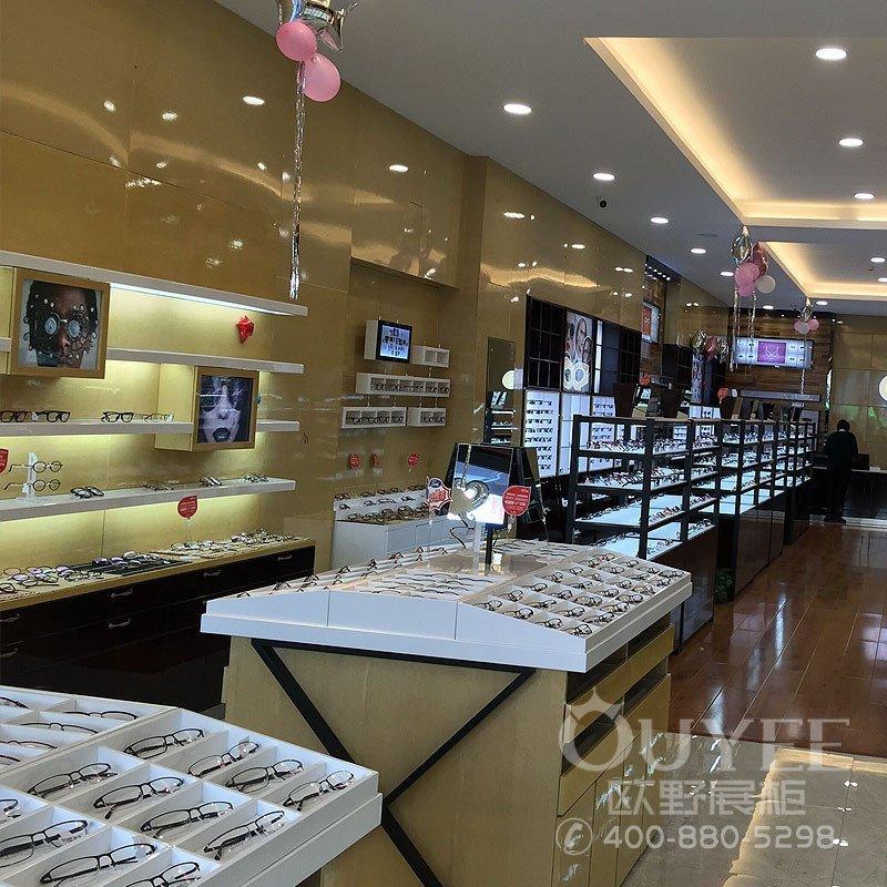 天津传统眼镜店铺